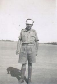 Otec pamětníka Rudolf Taussig za války v poušti, rok 1942