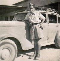 Rudolf Taussig, witness´s father in the Libyan desert, 1942
