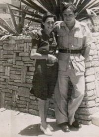 Rudolf Taussig with Anna, his sister, Palestine 1942