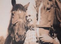 Pamětník s milovanými koňmi