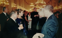 S Václavem Havlem při slavnosti předávání Medaile Za zásluhy otci Josefu Adámkovi v roce 1999