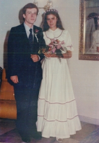 Evžen a Hana Adámkovi na svatební fotografii 1. září 1984