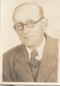 Tatínek po návratu z vězení, 1953