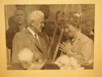 Libuše Hrdinová s prezidentem Ludvíkem Svobodou