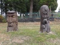 Dřevěné sochy v Lipové