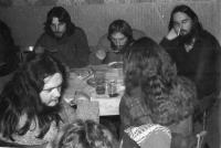 V hospodě Čtverka, Uničov, 1985