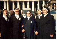 Řím, svatořečení Anežky České (Marie druhá zleva), 13. listopadu 1989