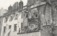 """Jana nesmírně bolel pohled na zničenou Staroměstskou radnici a její """"srdce"""" – orloj."""