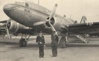 Majestátní a prý velmi dobře ovladatelné DC-3 Dakoty Jan zkrátka miloval. (Na snímku stojí vlevo.)