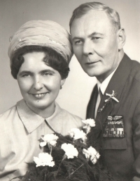 Svatební foto novomanželů Blanky a Jana Irvingových ze dne 30. 1. 1970