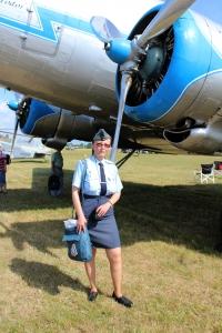 Iveta na jedné z leteckých akcí u tátovy milované dakoty