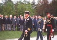 Oficiální návštěva ČSFR prince Charlese a Lady Diany v roce 1991 - velká pietní slavnost za účasti pozvaných letců a jejich doprovodů na Olšanských hřbitovech, ve vojenské sekci věnované padlým spojeneckým letcům RAF