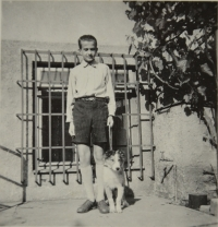 Augustin in 1952 with a puppy of collie called Ebro van Well