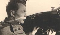 Výcvik nových posádek a zejména pilotů byl nejnáročnější co do náplně. Bylo třeba zvládat mnoho dovedností a létání jako takové bylo už (alespoň pro ty zkušené) jakousi třešinkou na dortu.