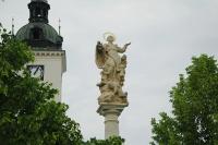 Mariánský sloup, který byl opět instalovaný na původní místo na Masarykově náměstí v Kyjově po roce 1990