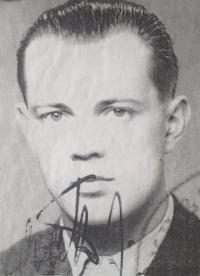 Parašutista Jiří Potůček (toho skrývala rodina Burdychova)