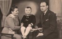 Milan Možný s rodiči