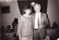 S otcem gen. pl. Miloslavem Adamcem (pracoval u pohraničníků), na svatbě bratra