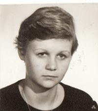 Studentka střední ekonomické školy v Resslově ulici, 1973