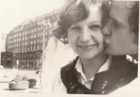 V Drážďanech s přítelem, pozdějším manželem Zdeňkem Kačírkem, 1974