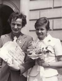 Svatba na radnici v Praze 10 Vršovicích, 29.5. 1975