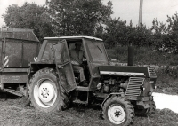 Josef Davídek jako traktorista v JZD (80. léta)