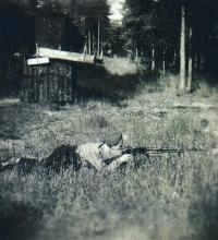 Miroslav Šír v roce 1945 ve Stráži.