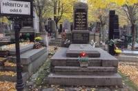 Rodinná hrobka na Olšanských hřbitovech založená roku 1848