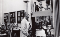 Ateliér akademického malíře a grafika Jaroslava Švába a maňáskové divadlo v Dittrichově ulici, kam chodil na návštěvu mimo jiné i malý Václav Havel (rok 1959)