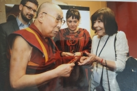 Dagmar Kašperová při setkání s Dalajlámou