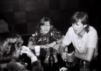 Klub mládeže Havlíčkův Brod / vpravo Pavel Šimon / říjen 1991 / foto: Miroslav Ledl