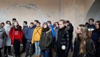 Žáci ZŠ Na Valtické Břeclav, na přednášce o bývalé věznici v Brně na Cejlu