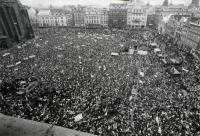 Plzeňské náměstí v revolučním roce 1989