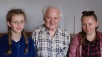Žáci ZŠ Moravská Nová Ves s panem Novenkem