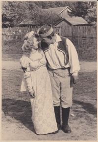 Libuše Trpišovská and František Lhoťan in a theatre play of the Princess Dandelion