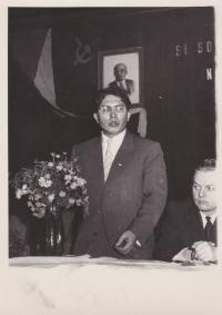Návštěva ze SSSR ve sklárnách v Tasicích, 1960