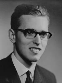 Radomír Malý na maturitní fotografii v roce 1965