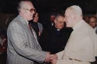 Radomír Malý při audienci u Jana Pavla II. ve Vatikánu v roce 1994