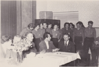 Visit from the USSR in the glassworks in Tasice, Libuše Trpišovská in the back row, sixth from the left