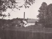 Glassworks of Tasice, a photo from the archive of L. Trpišovská