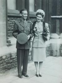 The wedding photograph of Miroslav Kopecký and his British wife Sheila