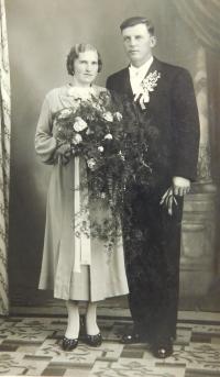 The wedding photograph of parents Vojtěch and Drahomíra