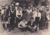 Theater play Princess Dandelion and Libuše Trpišovská in the middle row, fourth from the right