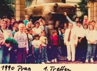 Setkání uprchlíků v roce 1990 v Praze