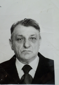 Her father, Arsenij