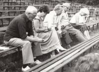 Jako porotkyně Žlutického divadelního léta (zcela vlevo: režisér Svatopluk Papež)