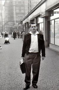 Cesta z kriminálu. Květen 1960