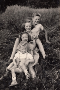 Jan Kreysa with his siblings