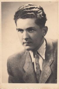 Bratr Jan Liška v době, kdy se učil kuchařem v hotelu Znamenáček v Táboře (rok 1947 nebo 1948)