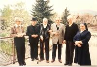 Pamätníčka(vpravo) počas pôsobenia v kňazskom domove v Pezinku